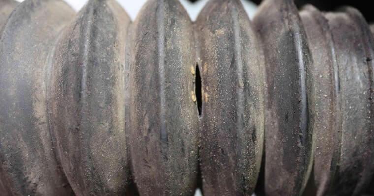 Расположение пыльников на рулевой рейки Хендай Солярис